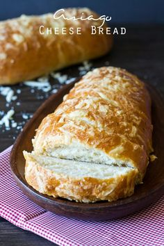 Asiago Cheese Bread. A crispy crust, soft inside with an awesome Asiago cheese flavor 2 1/4 TSP BREAD MACHINE YEAST. ANY HARD CHEESE.  I SPRINKLED TOP WITH MALDON & PEPPER.  STARTED OVEN AT 400 DEGREES PUT BREAD IN AND LOWERED TO 375 DEGREES.
