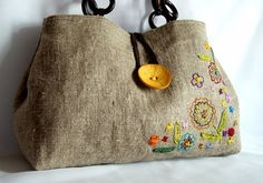 Hand embroidered linen and cotton tote bag/every day bag/eco bag/with brown wooden handles Sacs Tote Bags, Cotton Tote Bags, Diy Bags Purses, Handmade Purses, Embroidered Bag, Fabric Bags, Beautiful Bags, Hand Embroidery, Sewing Projects