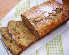 I love classic banana bread, but I don't like to bake. So I usually eat it when my mother-in-law makes it for me. However, we were invited to a last minute Banana Bread Recipes, Cake Recipes, Vegan Recipes, Cooking Recipes, Scones, Bananas, Colombian Food, Bread Cake, Sweet Bread