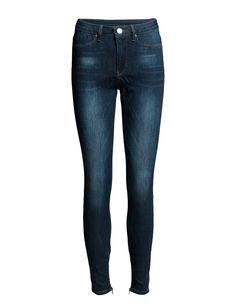 DAY - 2ND Jolie Street Fading Logo detail Belt loops Classic 5 pocket styling Skinny fit Stretch design Zip cuffs Skinny Fit, Skinny Jeans, Cuffs, Belt, Pocket, Zip, Logo, Denim, Street