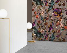 Surrealismus, byzantinische Dekors und strenge Symmetrie, der junge Engländer Kit Miles erfindet Opulenz neu – ein Interview mit dem Designer.