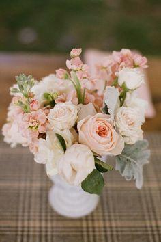 Flores em tons nude