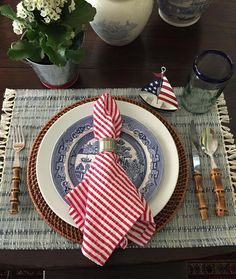 "197 Likes, 43 Comments - Janice Jackson (@janicejackson4) on Instagram: ""Playing around with 4th of July table settings❤"""