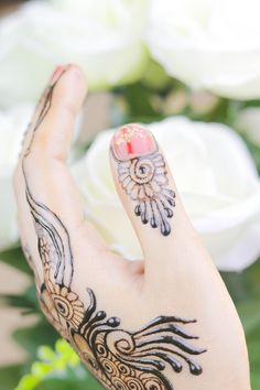 Diwali 2019 Special Mehndi Design for Hand Latest Mehndi Design Images, Latest Mehndi Designs, Mehndi Designs For Hands, Henna Designs, Flower Designs, Mehendi Simple, Simple Henna, Flower Henna, Best Mehndi
