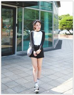 Anniversary Sale! Up to 80% OFF all items! Seoul Fashion - Contrast Raglan-Sleeve T-Shirt