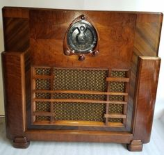 Vintage-1938-Zenith-12-S-268-console-tube-radio-Deco-styel-Antique-amp-does-play