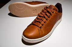 Got myself a new pair of sneaker. This Time some nice brown leather Stan Smith.