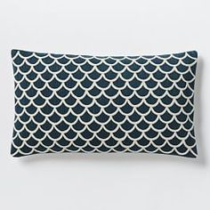 Scalloped Crewel Pillow Cover – Blue Lagoon