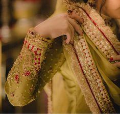 Bridal Mehndi Dresses, Nikkah Dress, Pakistani Formal Dresses, Pakistani Wedding Outfits, Bridal Dress Design, Pakistani Wedding Dresses, Bridal Outfits, Shadi Dresses, Bridal Lehenga