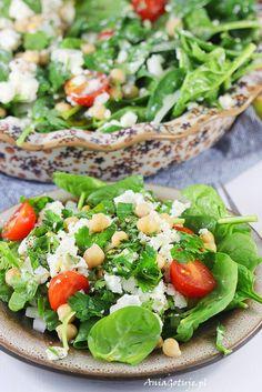 Sałatka z ciecierzycą. Salad with chickpeas. Great Dinner Recipes, Healthy Dinner Recipes, Keto Recipes, Salad Ideas, Chickpeas, Tofu, Family Meals, Hummus, Cobb Salad