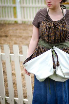 Pretty ditty apron pattern reversible non reversible 3 adult sizes