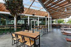 West Hollywood Restaurants, Shake Shack, Burgers, Outdoor Decor, Ss, Home Decor, Hamburgers, Decoration Home, Room Decor