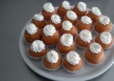 Mini Desserts, Christmas Lunch, French Food, Cookies Et Biscuits, Mini Cupcakes, Macarons, Deserts, Food And Drink, Eat
