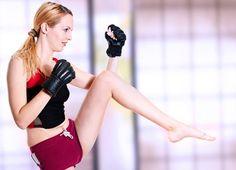 5 exercícios que prometem queimar as calorias e definir a musculatura