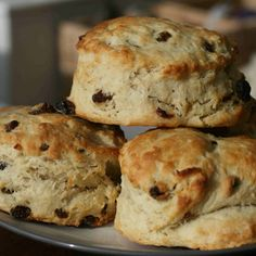 This fruit scone recipe is one of the easiest things you can make with your kids and with very little sugar, are a healthier alternative to other baking. Eggless Scone Recipe, Vanilla Scones Recipes, Best Scone Recipe, Eggless Baking, Scone Recipes, Raisin Recipes, Banana Bread Recipes, Brownie Recipes, Snack Recipes