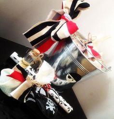 Mikaelin 4-v. merirosvosynttärit/vappujuhla Peter Pan Party, Christmas Stockings, Birthday Parties, Gift Wrapping, Holiday Decor, Gifts, Needlepoint Christmas Stockings, Anniversary Parties, Paper Wrapping