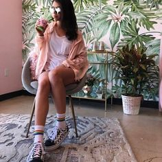 Some perfect corner in San Diego! @taneshataylor in @holymatchaa with my wallpaper in behind. Thank you guys!  #wallpaper #wallmural #removablewallpaper #bananawallpaper #tropicwall #tropicalwall #palmleaf #fototapeta #fototapete #fotobehang #fotomurales #papierpeint #papelpintado #walldecor #interiordesign #interiordesigner