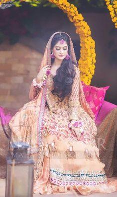 Mehndi Brides, Aurora Sleeping Beauty, Victorian, Disney Princess, Dresses, Fashion, Vestidos, Moda, Fashion Styles