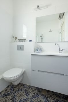 פריטים מבית סבתא: הצצה לדירה מיוחדת בהוד השרון   בניין ודיור