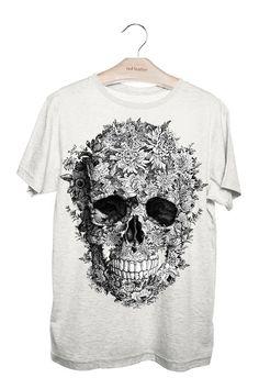 Camiseta Masculina Caveira Flores Cinza