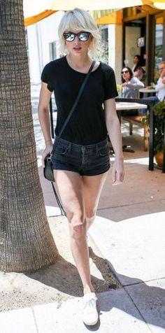 Taylor Swift Street Style 39