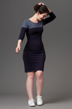 Close-fitting jersey dress and top. Version A has ¾ sleeves and a contrasting yoke, version B is sleeveless with a scoop neckline.The pattern envelope contains a full size pattern and a detailed instruction booklet.The PDF pattern contains a full size printable pattern (A0 and A4/US letter formats) and a detailed instruction file.Buy the maternity version