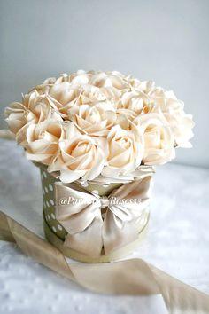 Такой стильный букетик теперь будет частью интерьера в ванной комнате у Евгении и каждое утро радовать своей красотой❤🌹 ⠀ Если Вы тоже хотите добавить изюминку в интерьер своей квартиры или дома🏠 ⠀ 👉пишите в директ или жмите на ссылку в шапке профиля ☎8-904-959-66-64 ⠀ Flower Boxes, Flower Cards, Beautiful Flower Arrangements, Beautiful Flowers, Fresh Flowers, Pink Flowers, Red Rose Bouquet, Flower Boutique, Luxury Flowers
