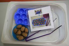 A quoi tu joues? Aux ateliers Montessori ! | Basephine Pinces et noix, motricité fine, manipulation