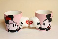 Mickey and Minnie coffee mugs Mickey E Minnie Mouse, Mickey And Minnie Wedding, Mickey Mouse Kitchen, Disney Kitchen, Mickey Mouse And Friends, Casa Disney, Disney Rooms, Miki Y Mini, Disney Coffee Mugs
