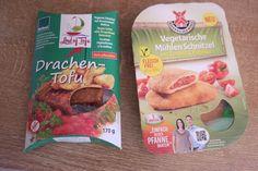 Veganes Schnitzel mit Drachenkopfmelisse und Vegetarische Mühlen Schnitzel mit Tomaten und Paprika