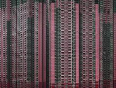 La Cina è il paese più popoloso del mondo. E c'è un grandissimo problema di urbanizzazione legato alla casa. Questi mostri architettonici sembrano essere l'unica soluzione per risolvere la questione casa.  Probabilmente è difficile avere così tanti vicini che ci circondano, ma in quale altro modo si possono sistemare 1,3 miliardi (1,341,900,000) di persone su una superficie di 9.572.900 km km quadrati?