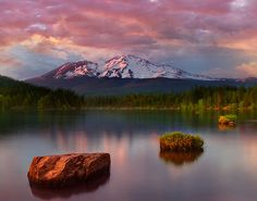 Lake Siskiyou and Mount Shasta, California  © kevin mcneal