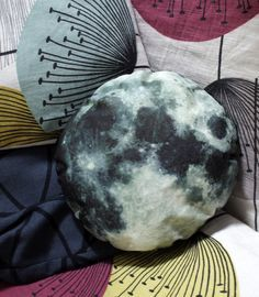 Vivid Please: DIY: How To Make A Moon Cushion, could do it for planets too