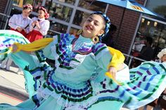 Ballet Folklorico, Mexico Culture, Folklore, Dancer, People, Style, Amor, Culture, Swag