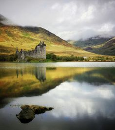 Kilchurn Castle on Loch Awe - Scotland