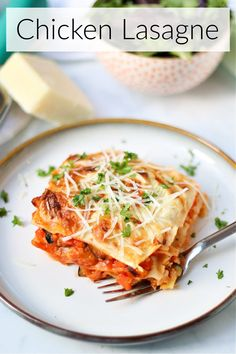 A delicious lasagne recipe made with chicken mince and packed with vegetables. Healthy family friendly comfort food at it's best! Healthy Comfort Food, Healthy Family Meals, Easy Chicken Recipes, Healthy Chicken, Mild Chicken Curry Recipe, Smoked Paprika Chicken, Chicken Lasagne, Lasagne Recipes, Easy Meals For Kids