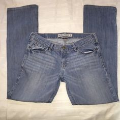 Hollister jeans Pre owned Hollister jeans in size 7R. All measurement laid flat.  Waist is 15 inches. Length is 38 inches.Color is faded. Hollister Jeans Boot Cut