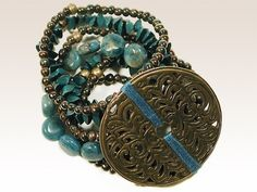Césarée, créateur bijoux Paris. Bracelet turquoises et pièce bronze