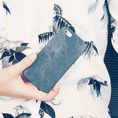 #by_kwmobile // Jeans sind cool lässig und ein Must-have das in keinem Kleiderschrank fehlen darf. Auch euer Smartphone möchte im angesagten Look gekleidet werden. Zum trendigen Outfit geht es hier: http://ift.tt/2evWCZg  #kwmobile #iphonese #iphone #jeans #produktderwoche #style #mode #trend #stylisch #denim #bluejeans #denimdenimdenim
