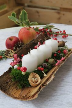 Christmas Gift Ideas 2019 : 15 fabulous Christmas candle decorating ideas to make your holiday fun . 15 fabulous Christmas candle decorating ideas to Christmas Candle Decorations, Christmas Candles, Rustic Christmas, Simple Christmas, Winter Christmas, Christmas Wreaths, Christmas Ornaments, Table Decorations, Advent Wreaths