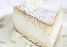Für die Topfentorte, ungekühltes QimiQ glatt rühren. Magertopfen, Zucker, Vanillezucker und Zitronensaft dazugeben und gut vermischen. Zum Dream Cake, No Bake Desserts, Vanilla Cake, Cheesecake, Cupcakes, Sweets, Bread, Baking, Food