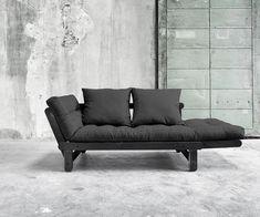 Nutzen Sie das Futonsofa auch als Recamiere, idealer Platz zum Feierabend  #futonsofa #sofabed #scandi #sofa Outdoor Sofa, Outdoor Furniture, Outdoor Decor, Eames, Scandi Chic, Love Seat, Couch, Home Decor, Japan