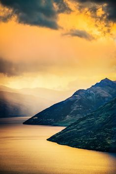 Lake Wakatipu, Otago, South Island, New Zealand - can't wait to go!!!!