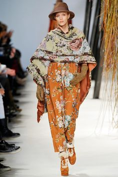 Kenzo | Fall 2010 Ready-to-Wear Collection | Style.com Etruscan Tabenna Man's wrap draped to the front