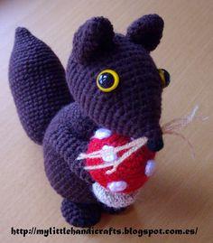 Squirrel Free Amigurumi Pattern (Scroll Down Below Spanish Pattern) http://mylittlehandicrafts.blogspot.com.es/search/label/patrones