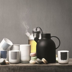 Mugs by Scandinavian Design Center.
