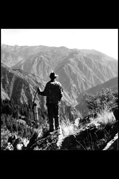 the early contribution of fred bear to bowhunting Fred bear and i first headed for the woods near camp to get some photos of him drawing and shooting the bow as it turned out, these few photographs were the only official pictures ever taken of fred bear shooting a compound bow that were ever published as all bowhunters know, when one is in a .