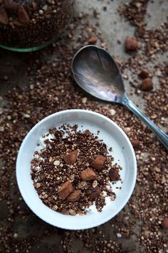 Recipe for chocolate crunch without sugar, made at lightning speed. - Recipe for homemade, sugar-free chocolate crunch - Chocolate Crunch, Sugar Free Chocolate, Chocolate Recipes, Fudge Recipes, Crockpot Recipes, Healthy Recipes, Fruit Smoothies, Smoothie Recipes, Brownies Cacao