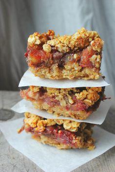 Date & Oat Squares (vegan, gluten + sugar free) | happy hearted kitchen