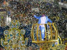 Brazilian singer Martinho da Vila parades with Vila Isabel – his compositions feature as part of their Carnival performances